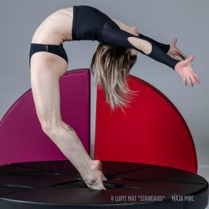 Lupit standard round pole dance crash mat cover maja pirc