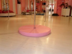 round pole crash mat