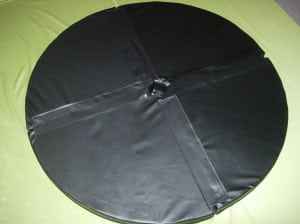 large round black pole dance crash mat